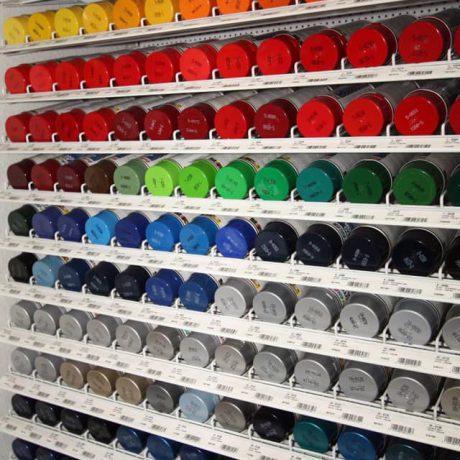 Ständig eine große Auswahl an Farben vorrätig